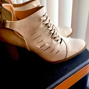 Gently Used Booties Size 10